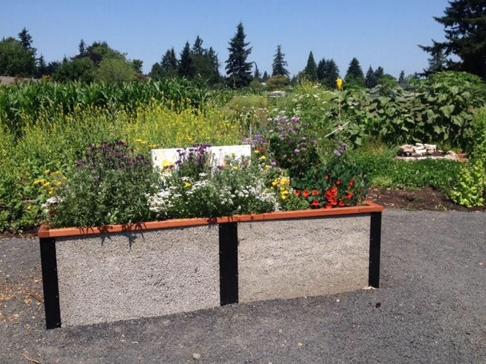 Oliver Raised Bed Portland CG
